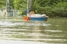 85 قتيلاً في فيضانات تايلاند واستمرار الأمطار الغزيرة