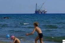 شركات النفط العالمية تنهال فجأة على غاز المتوسط.. ما السر ...