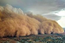 الكوارث في استراليا لا تتوقف.. بعد الحرائق والأمطار.. عاصفة ترابية ...
