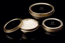 «الكافيار الأبيض».. أغلى طعام في العالم والسر في فوائده