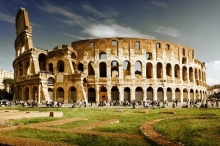 روما تهتز والسكان في حالة هلع بعد هزة أرضية ضريت ...
