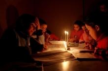 انقطاع خطوط الكهرباء المصرية المغذية لجنوب قطاع غزة