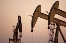 النفط يتراجع بفعل زيادة المخزونات