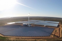 مزرعة هي الأولى من نوعها تستخدم مياه البحر والطاقة الشمسية ...