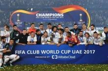 رونالدو يهدي ريال مدريد كأس العالم للأندية 2017