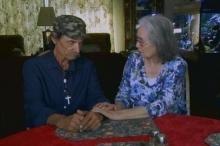 يجتمع بوالدته بعد 65 عاماً من الفراق