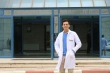طالب طب من النجاح يحصل على منحة نادرة في جامعة ...