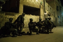 جيش الاحتلال يعلن محاصرة منفذ عملية سلفيت في منزل ببلدة ...