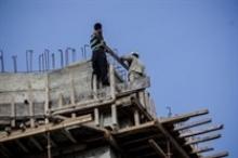 مصرع عامل وإصابة آخر خطيرة بعد سقوطهما من الطابق السابع ...