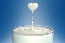 كثرة تناول الحليب.. هل تؤدي إلى الإصابة بأمراض القلب؟