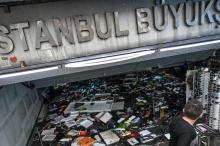 أمطار غزيرة تشل إسطنبول.. وسيول تجتاح البازار الكبير