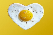 دراسة تكشف خطر تناول أكثر من بيضة واحدة يوميا!