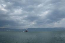 منسوب بحيرة طبريا يرتفع بشكل قياسي