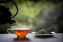 تحضير الشاي باستخدام ماء الصنبور أم المعبأ؟ تعرف على الأكثر ...