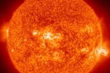 انفجار مغناطيسي هائل على سطح الشمس.. هل ستتأثر الأرض؟؟