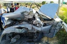 بالصور.. مصرع شاب وإصابة إثنين آخرين في حادث سير مروع ...