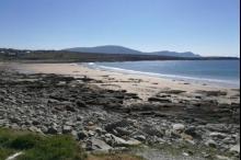 شاطئ إيرلندي يظهر من جديد بعد اختفاء 12 عام!