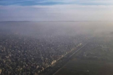 """""""تمطر فضلات بشرية"""" في نيودلهي.. والسلطات تفتح تحقيقا"""