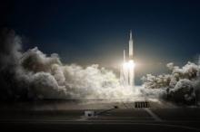 هل سيتحمّل سائحو سبيس إكس سفرهم إلى القمر؟
