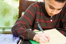 التغذية الصحية للأطفال استعداداً للاختبارات المدرسية