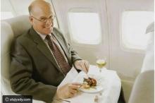 مسافر يحصل على 300 وجبة طعام مجانية بهذه الحيلة الذكية.. ...