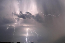 تطور الحالة الجوية اليوم الجمعة والأيام القادمة