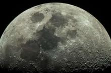 اكتشاف نفق ضخم على القمر