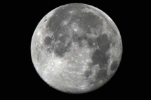 """4 تساؤلات عن القمر.. لم تستطع """"ناسا"""" إجابتها أبدا"""
