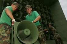 الميكروفونات التي ظلّت عقوداً تملأ بأصواتها حدود الكوريتين تم إسكاتها.. ...