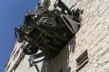 بالصور ..حادث سير غريب ومروّع في مدينة نابلس وإصابات بليغة