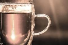 كأس دافئ من الماء صباحا يقيك من هذه الأمراض