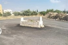 ما قصة القبر الذي يتوسط مفترق طرق في الأردن؟