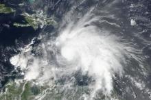 قوة الإعصار ماثيو تتراجع إلى الدرجة الرابعة