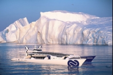 قارب ذاتي الوقود يبحر لمدة ستة أعوام حول العالم