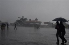 مصرع 800 شخص بالرياح الهندية الموسمية القاتلة