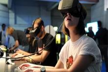 """بعد انتشار نظارات الواقع الافتراضي """"VR"""".. هل لها أضرار صحية؟"""