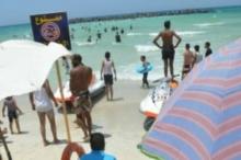 """حاولوا إنقاذ طفل.. غرق 11 شخصاً في """"شاطئ الموت"""" بالاسكندرية ..."""