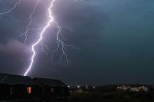 علماء: ظاهرة البرق ستصبح أكثر ندرة