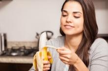 تخيَّل أن الموز الصحي اللطيف قد يقتلك! 7 أطعمة يؤدي ...