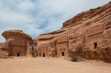 «جابوا الصخر بالواد».. مدائن صالح مدينة سعودية قد تحتاج فتوى ...