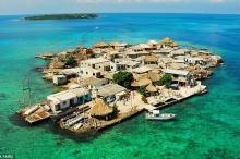 بالفيديو والصور.. أكثر جزيرة ازدحاماً بالسكان في العالم