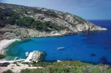 تعرف على الجزيرة الإيطالية الشهيرة التي تتطلب زيارتها التقدم بطلب ...