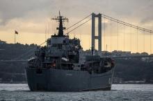 بارجة روسية تصطدم بسفينة شحن قبالة إسطنبول.. وفقدان 15 جنديا