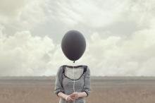 لماذا يصيب ألزهايمر النساء أكثر من الرجال؟