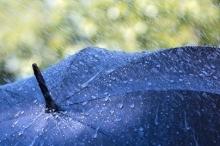 هل الليل أو النهار يؤثران على سقوط المطر؟
