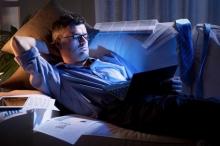 كيف يؤثر عدم انتظام الساعة البيولوجية على صحتك ؟