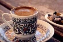 كم من الوقت يبقيك فنجان القهوة منتبهاً؟
