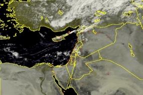 الأقمار الصناعية ترصد الغيوم الماطرة قبالة السواحل هذا اليوم 23/9/2016