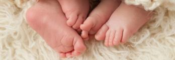 حالة واحدة تحدث كل 4.7 مليار.. إمرأة تنجب 6 أطفال خلال 9 دقائق