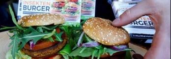 """برغر ذو قيمة غذائية عالية.. وجدل في ألمانيا بسبب مكوناته""""الفظيعة"""""""